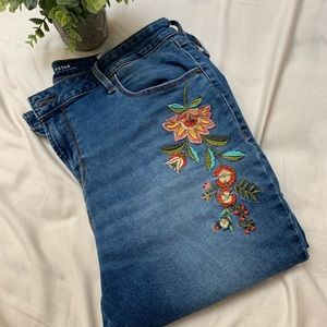 Old Navy Embroidered Jeans. Size 14